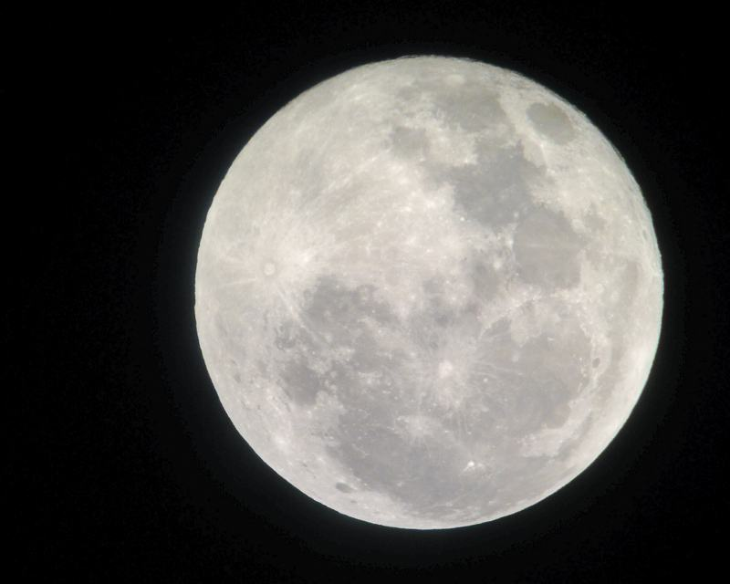 Photography of the Full Moon taken with an iphone and a telescope