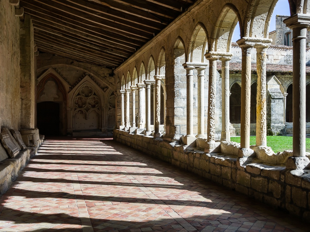 Cloister of the Eglise Collegiale in Saint-Emilion, Gironde, Fra