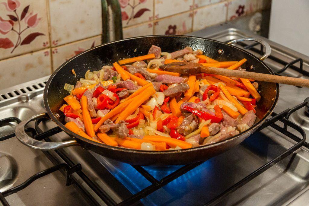 simply-szechuan-beef-stir-fry-three-feathers-pinot-noir